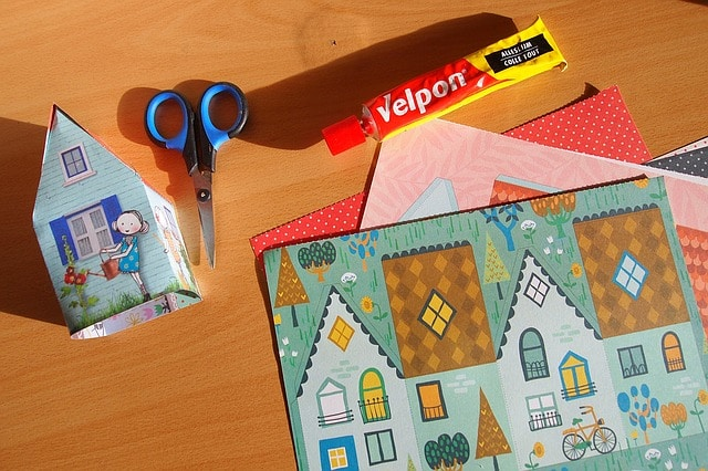 Best Glues For Paper Crafts